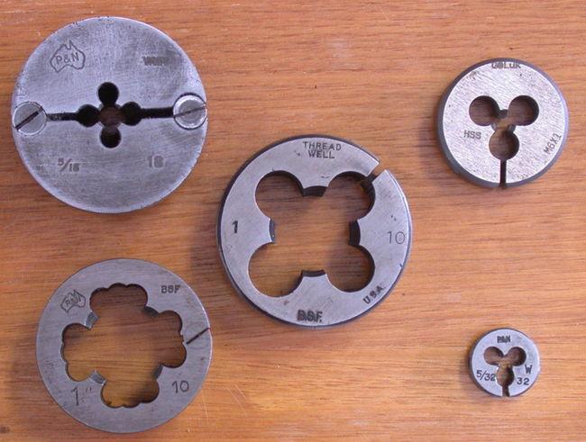 Плашки для нарезания резьбы