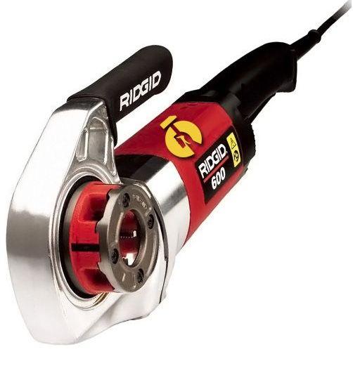 электрический резьбонарезатель красного цвета