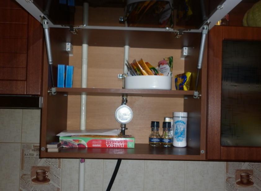 Газовый счетчик спрятан в шкаф