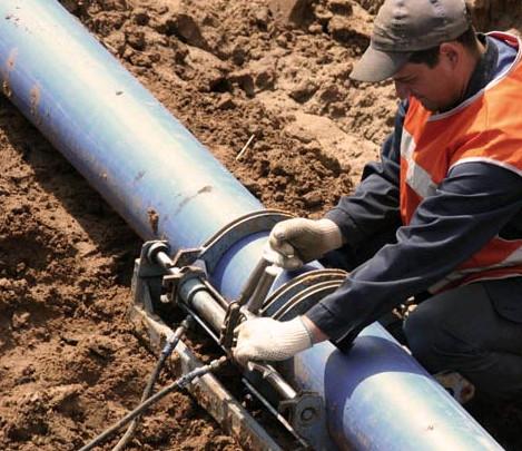 Монтаж наружной части канализации из ПЭТ труб сваркой